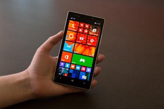 Смартфон с ОС Windows Phone
