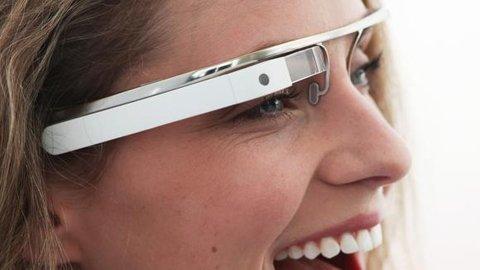 22099849-20121205165258_google_glass2