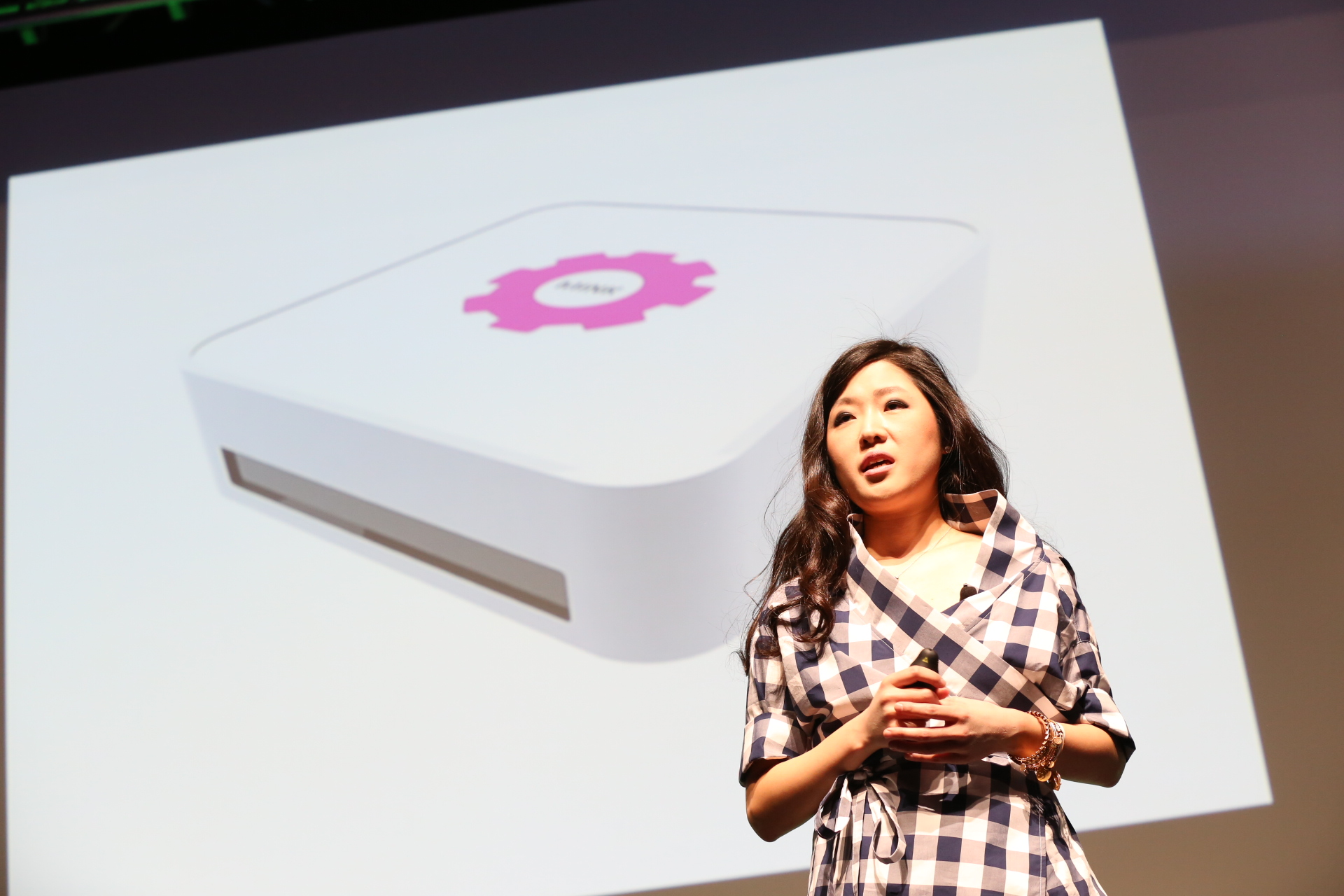 презентация 3D-принтера для печатания косметики