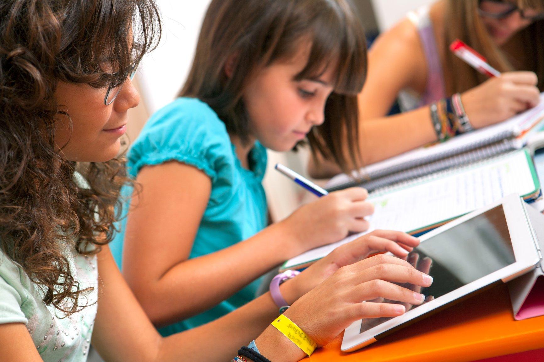 планшет на уроке